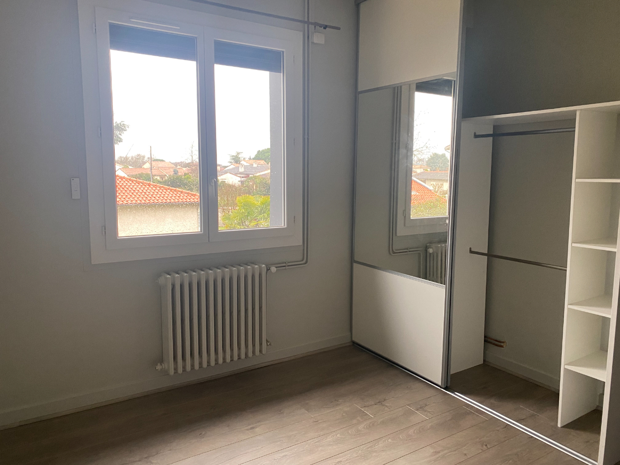 APPARTEMENT T4 CENTRE CASTELGINEST